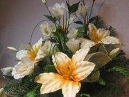 Inny przykład wykorzystania sztucznych kwiatów
